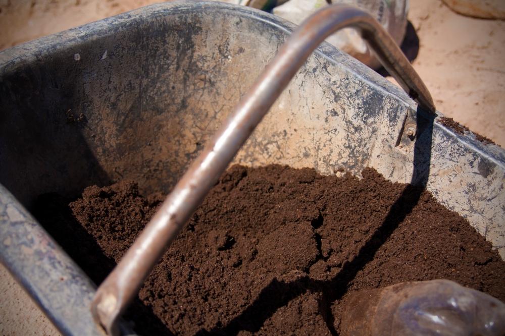 Humus Organic Soil, Planting a Biodynamic Vineyard, Altos Las Hormigas, Mendoza, Argentina, Terroir Wine
